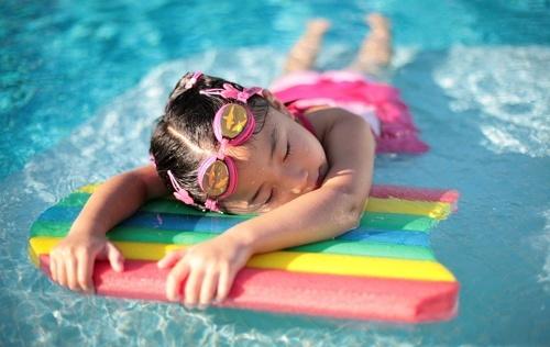 berenang dapat memperparah sinusitis
