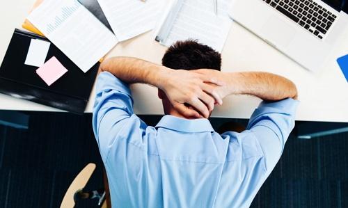 jangan stress karena dapat memicu kenaikan berat badan