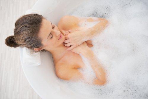 mandi dengan sabun bakteri