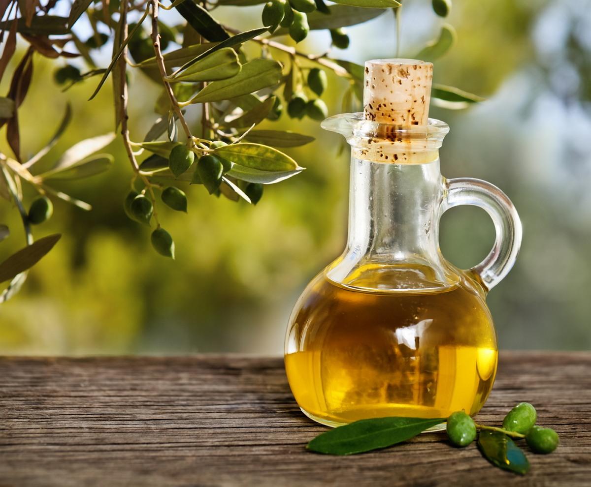 18 Manfaat Minyak Zaitun untuk Kesehatan & Kecantikan (# ...