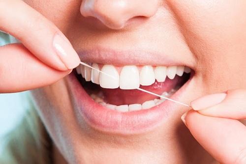 Rutin memeriksakan gigi