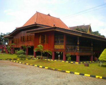 Rumah Adat Limas Sumatera Selatan 3