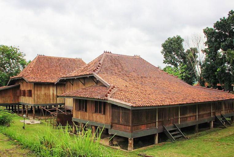 Rumah Adat Limas Sumatera Selatan