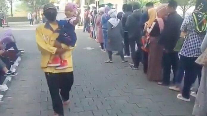 Antrian Pengajuan Perceraian di Pengadilan Agama Soreang Bandung
