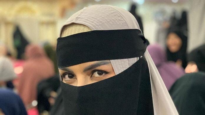 Artis Five Vi Hijrah Pakai Hijab Tertutup