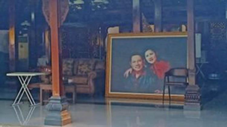 Kafe Lavani Foto SBY dan Ani