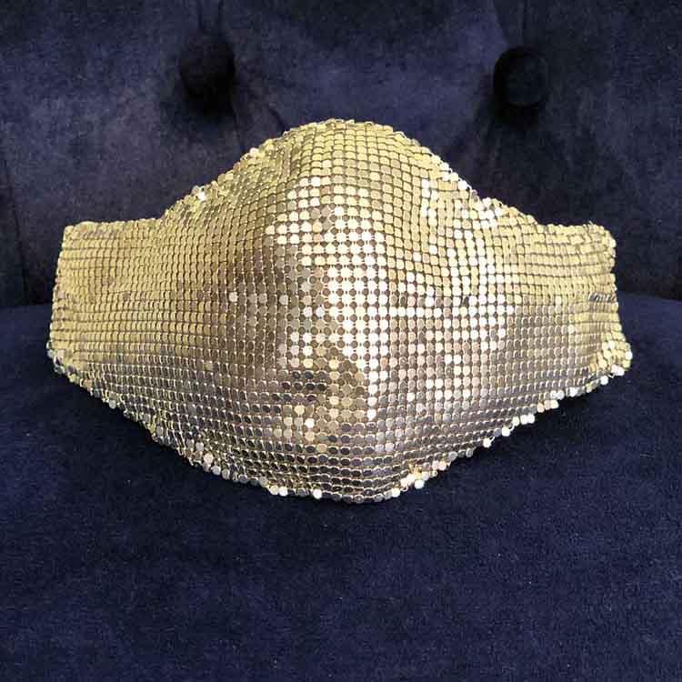 Penampakan Masker Maison Met yang Dipakai Lady Gaga